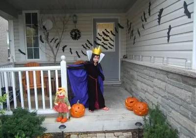 EvilQueen-SnowWhite-Halloween-costumeDIY