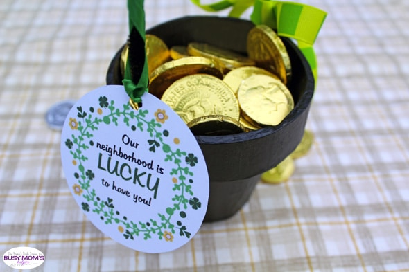 """Saint Patrick's Day neighbor gift + free printable tag """"Our neighborhood is lucky to have you!"""""""