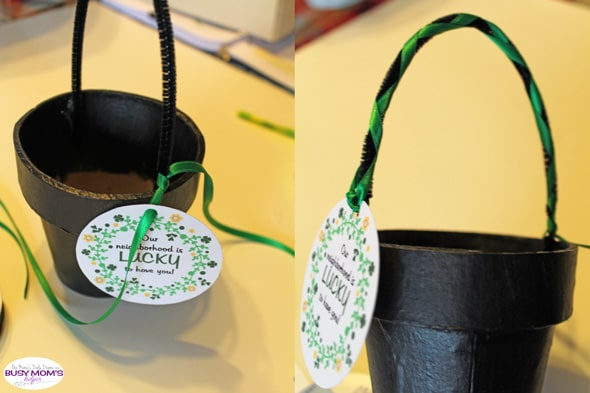 St. Patrick's Day neighbor gift + free printable tag | tying the ribbon