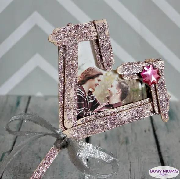 DIY Valentine Frame from Craft Sticks #valentine #craft #frame #popsiclesticks #craftsticks #craft #diy
