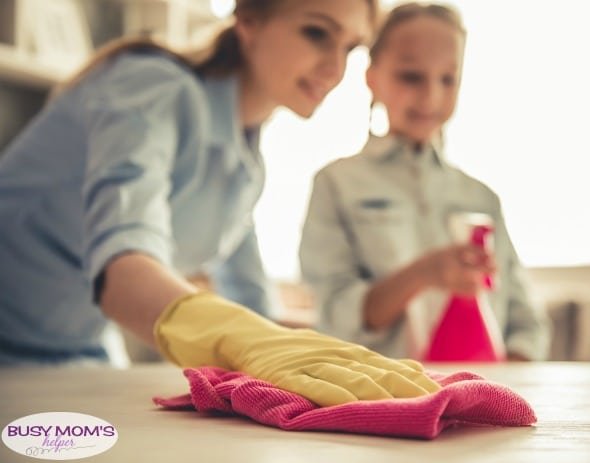 How to Fit Cleaning into Your Busy Mom Routine #timemanagement #busymom #scheduling #cleaning #organizing #parenting #momtips #cleaningtips #homemanagement