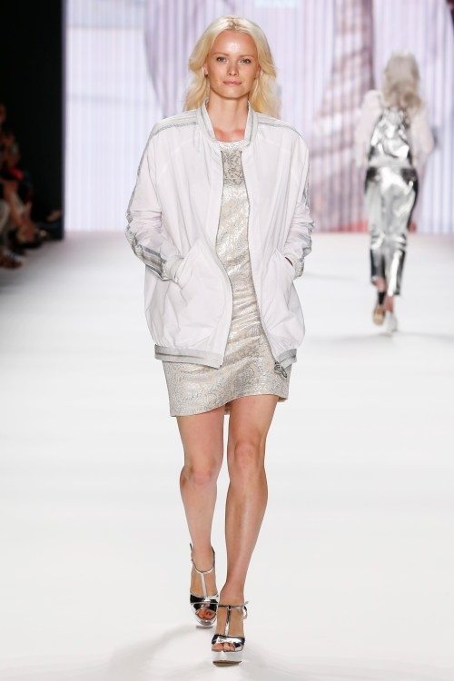 BERLIN, GERMANY - JUNE 28: Franziska Knuppe walks the runway at the Riani show during the Mercedes-Benz Fashion Week Berlin Spring/Summer 2017 at Erika Hess Eisstadion on June 28, 2016 in Berlin, Germany. (Photo by Frazer Harrison/Getty Images for Riani) *** Local Caption *** Franziska Knuppe