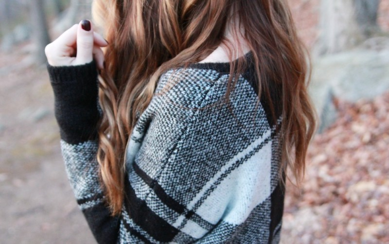 plaid-sweater-top