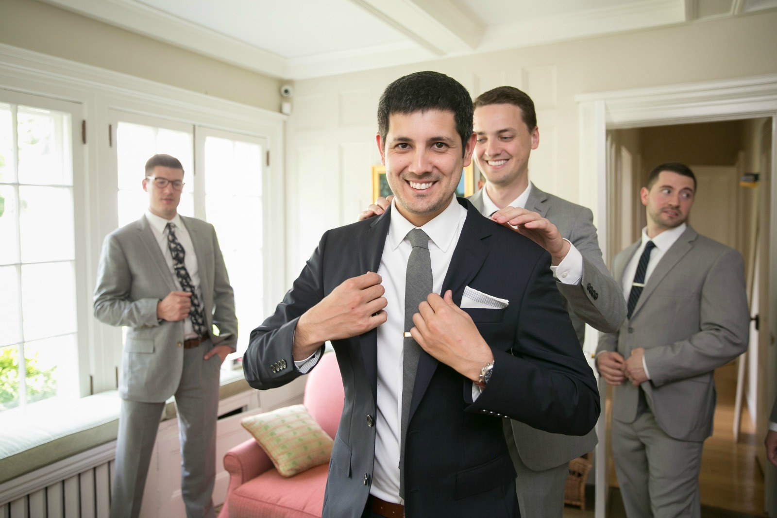1a-groomsmen-getting-ready