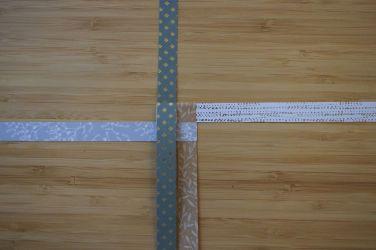 Schritt 4: Den oberen Streifen nach unten falten.