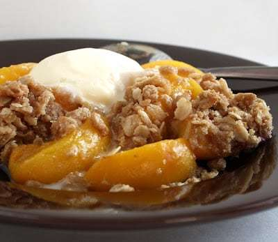 SUPER EASY PEACH CRUMBLE