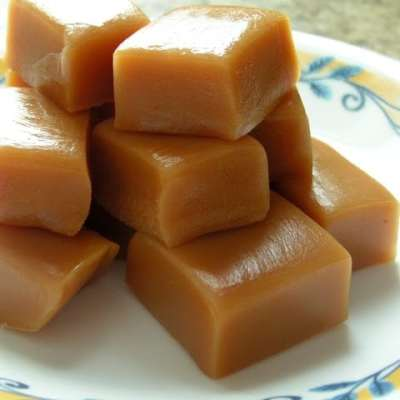 HOLIDAY BAKING: HOMEMADE CARAMELS