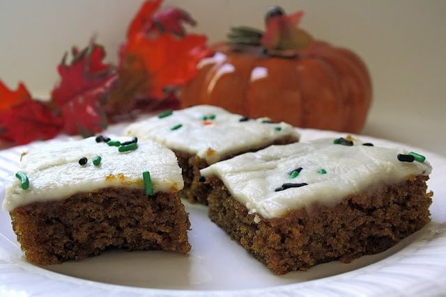 I recently received a packet of recipe cards in the mail from Gold Medal Flour and found this Pumpkin Spice Bar recipe to be a keeper! I adore pumpkin, so I've tried many, many pumpkin treat recipes, but was surprised at how easily this all came together and how delicious they were. I served them at a large family function recently and got rave reviews! These will go in my permanent recipe binder for sure!