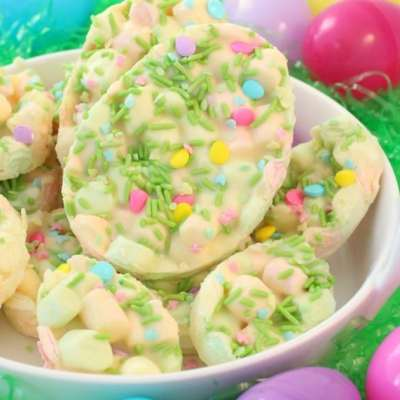 EASY EASTER MARSHMALLOW DESSERT