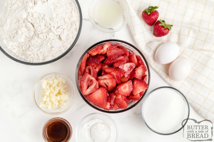 Ingredients in strawberry shortcake bars