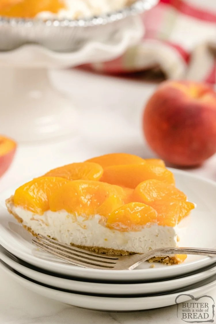 Simple cheesecake recipe topped with fresh peaches