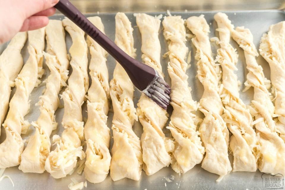 how to make cheesy bread sticks