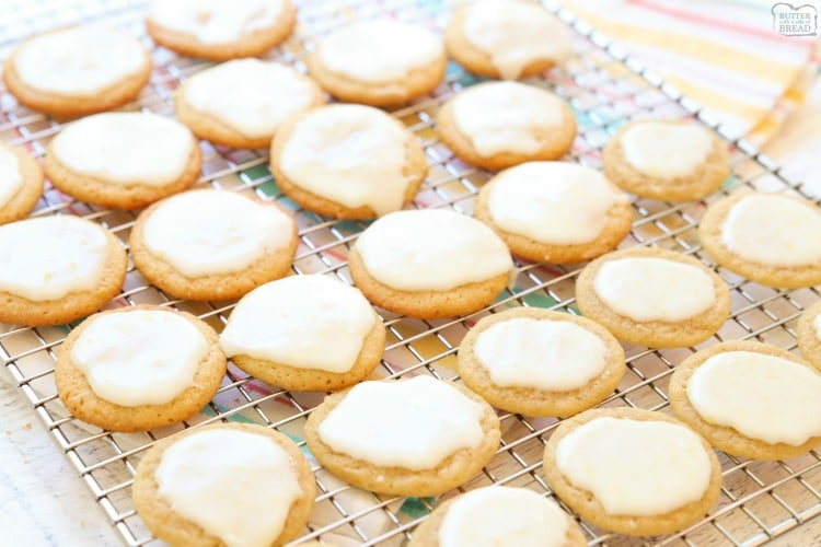 Lemon cookies with icing