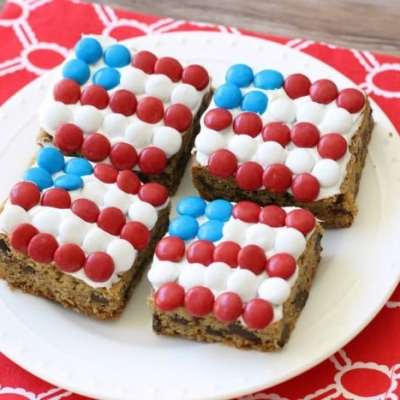 PATRIOTIC CHOCOLATE CHUNK COOKIE BARS