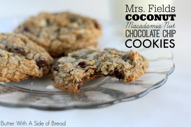 Mrs.-Fields-Coconut-Macadamia-Chocolate-Chip-Cookies