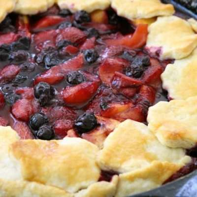 BERRY PEACH PIE