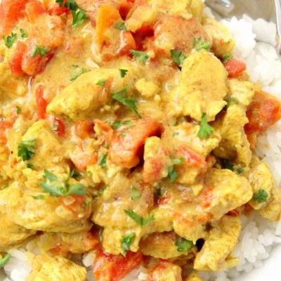 COCONUT CHICKEN CURRY {VIDEO INCLUDED!}