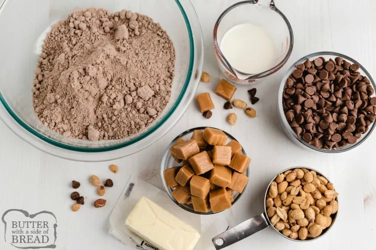 Ingredients in snickers cake