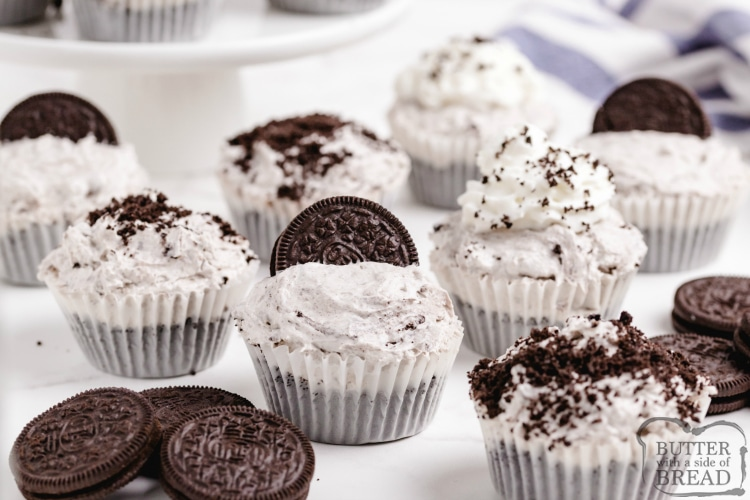 Mini Cookies and Cream Cheesecakes