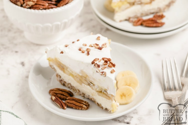 Dessert made with pecans and bananas