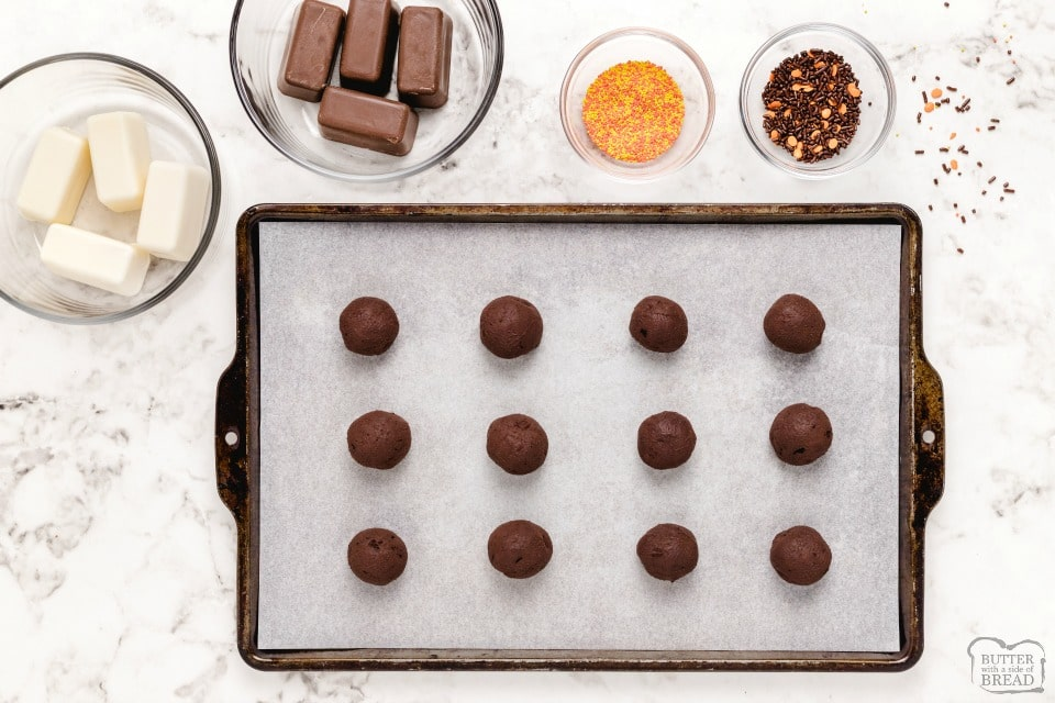 Copycat Lindt Homemade Halloween Dark Chocolate Truffles