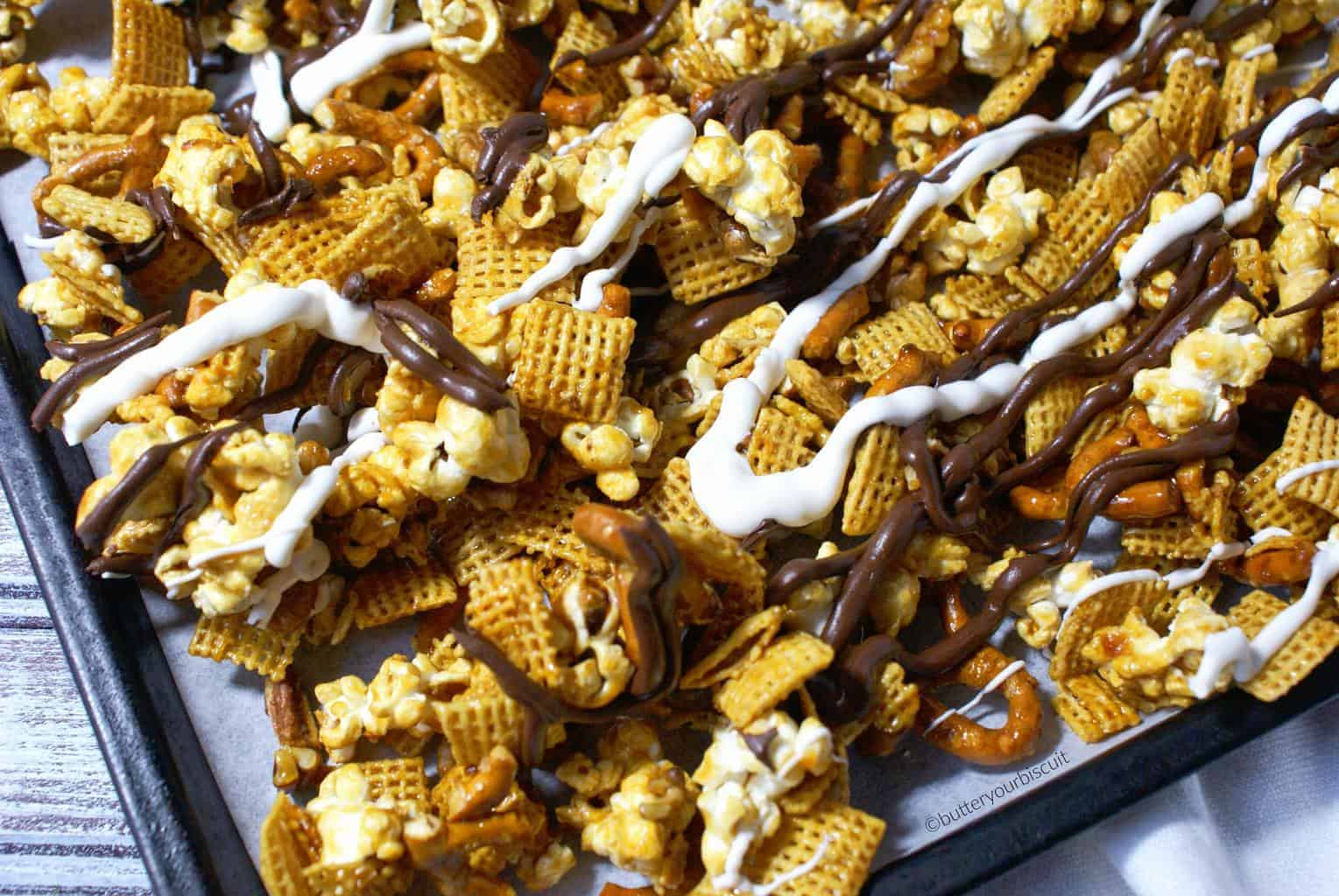 crunchy-caramel-snack-mix-3