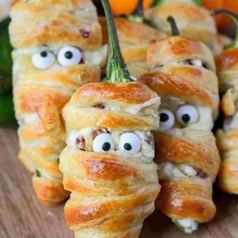 Halloween Bacon Jalapeño Mummies