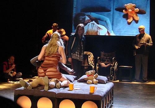Predstava Fine mrtve djevojke - 11