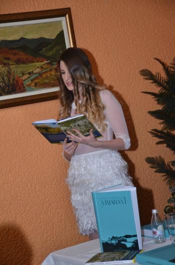 Kristina Rađenović čita poeziju dr Mile Medigović Stefanović