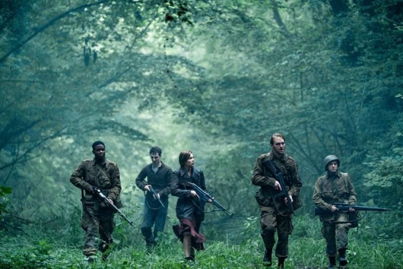 Boyce (Jovan Adepo), Rosenfeld (Dominic Applewhite), Chloe (Mathilde Ollivier), Ford (Wyatt Russell), Tibbet (John Magaro) in Overlord