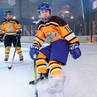 """REVIEW: 'The Mighty Ducks: Game Changers,' Episode 4 - """"Hockey Moms"""""""