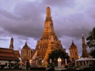 Wat Arun at 6pm