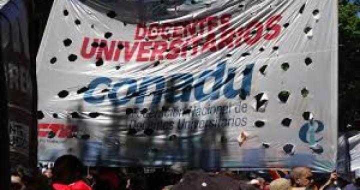 Docentes Universitarios rechazan oferta salarial de Gobierno y convocan al paro