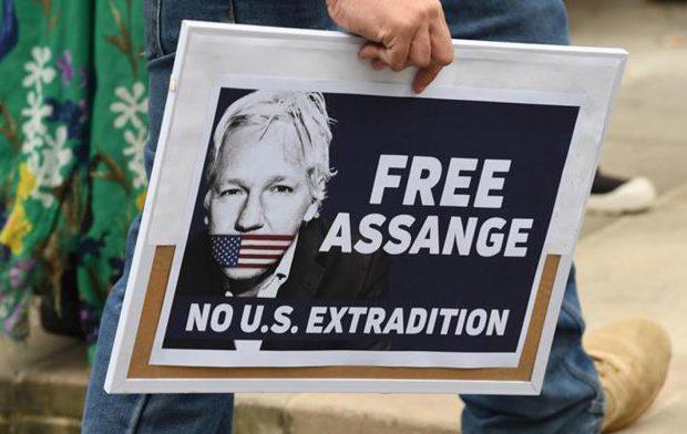 Julian Assange y la agonía de la libertad del derecho a la información