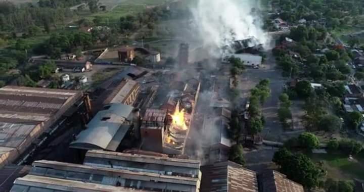 Jujuy: al menos 5 muertos por el  incendio en el Ingenio La Esperanza