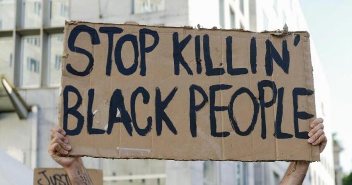 La violencia racial en EEUU aflora tras un caso que provocó fuerte rechazo