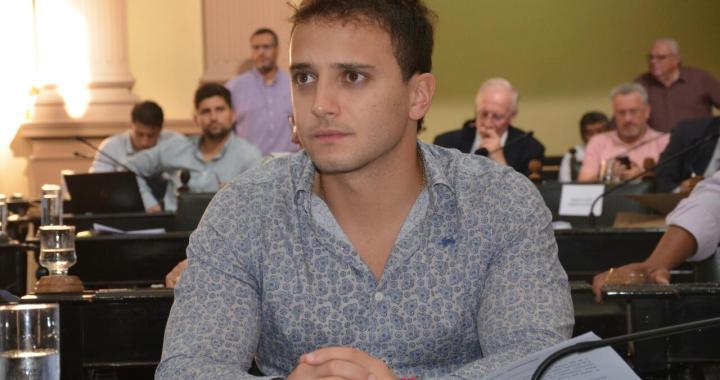 Denuncian que Omar Exeni extorsionó y echó a trabajador para retener ATP