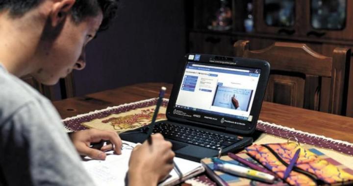 El COE aprobó clases y exámenes presenciales para 5º año y acto de colación