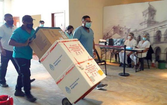 A un mes de la primera inyección, llegó a Salta nueva partida de vacunas Sputnik V