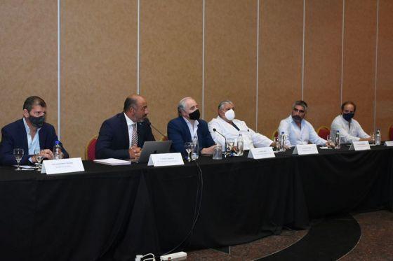 Grand Bourg y estatales negocian paritarias con miras al transporte y las clases
