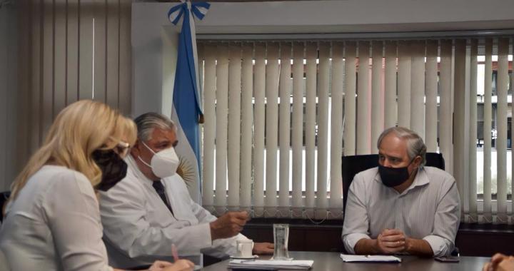 Esteban divulgó lista con 22 vacunados «estratégicos» y fue cuestionada su veracidad