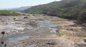 Vaqueros: investigan posible extracción ilegal de áridos en el Río Wierna