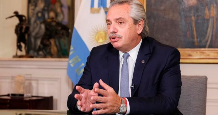Fernández: «Están entrando vacunas suficientes en la segunda mitad de abril para acelerar el ritmo»