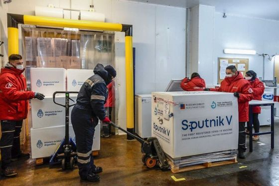 Vacuna Sputnik V: hoy llegaron 11.400 dosis del segundo componente