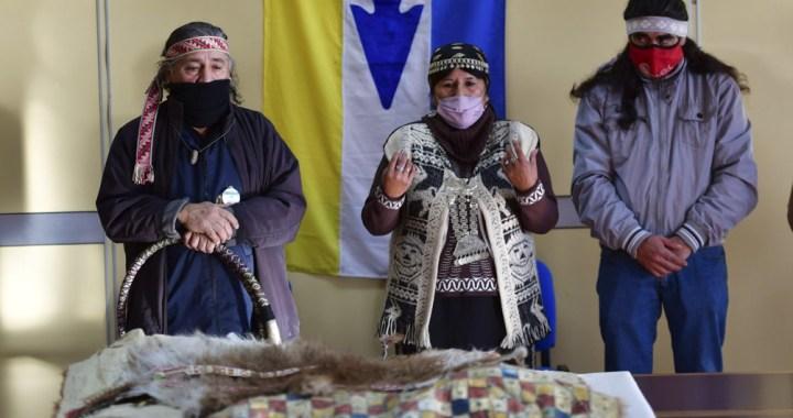 Restituyen los restos de un poblador originario a las comunidades