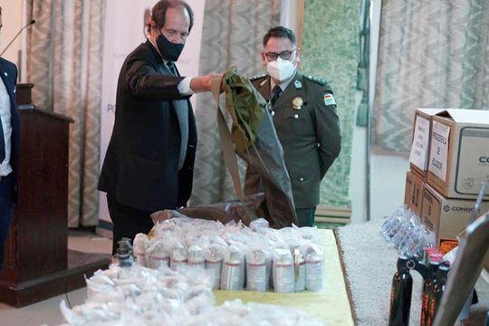 Bolivia exhibió el armamento que envió Macri durante el Golpe de Estado
