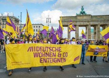 Berlín vota a favor de expropiar viviendas a grandes inmobiliarias