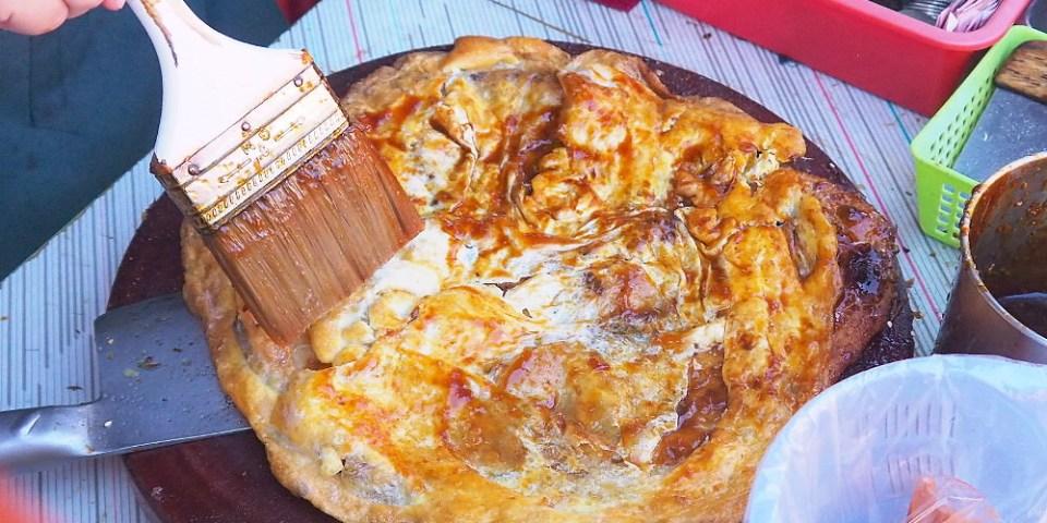<台中大雅> 臧羅葱油餅,大雅在地人推薦下午茶點心,蔥油餅刷上蒜蓉醬是招牌吃法!
