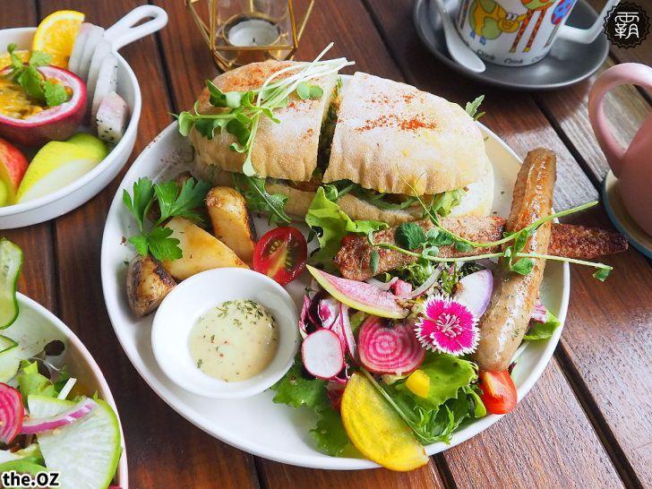 20201028200216 35 - 人氣澳式早午餐,the.OZ早午餐有機生菜配主菜,餐點美味配色鮮明真好拍!