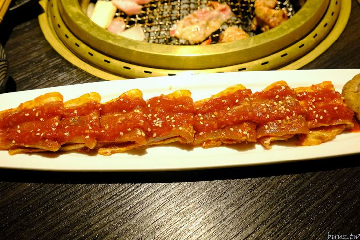 20210929190320 36 - 黑色風格燒肉店,Nikuniku 肉肉燒肉,豪華套餐品嚐極上牛小排、翼板牛小排